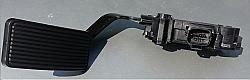 Ford Accelerator Pedal 05-07 6.0 Diesel F250 F350 F450 F550 w/o Adjustable Pedal